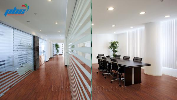 Sàn gỗ Thụy Sĩ Kronoswiss D2280 tại văn phòng