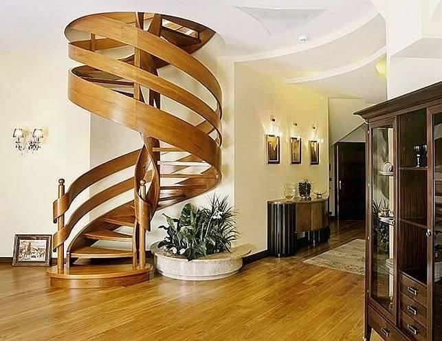 Cầu thang gỗ xoắn ốc